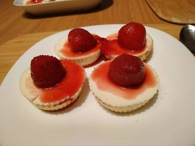 Ready Mini Strawberry Cheese Pies