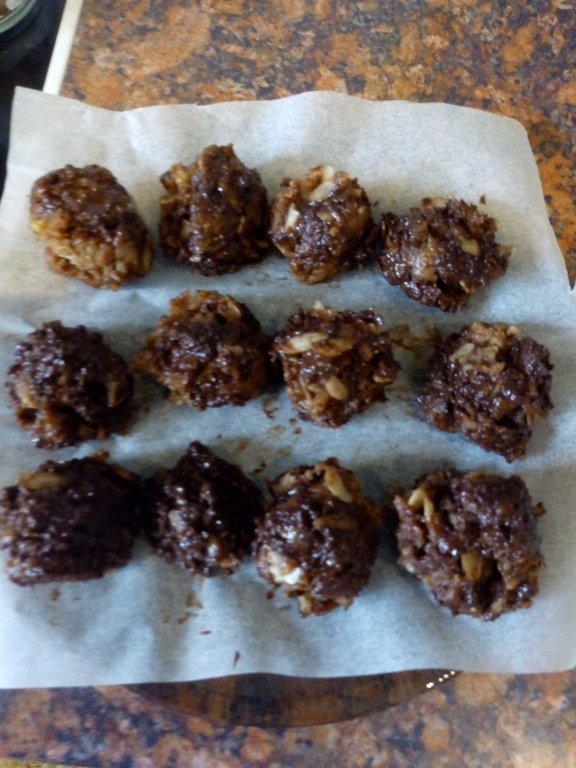 Chocolate almond butter bites