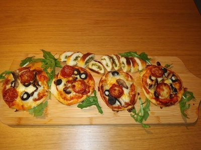 Mini Fathead Chorizo & Mushrooms Pizzas Ready to be eaten 4