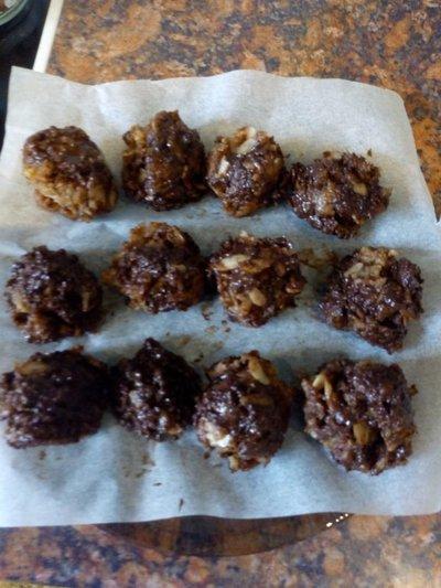 Keto Basics Chocolate almond butter bites